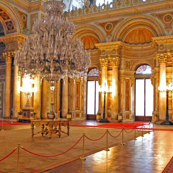 Istanbul dolmabahce-palace-two-continents