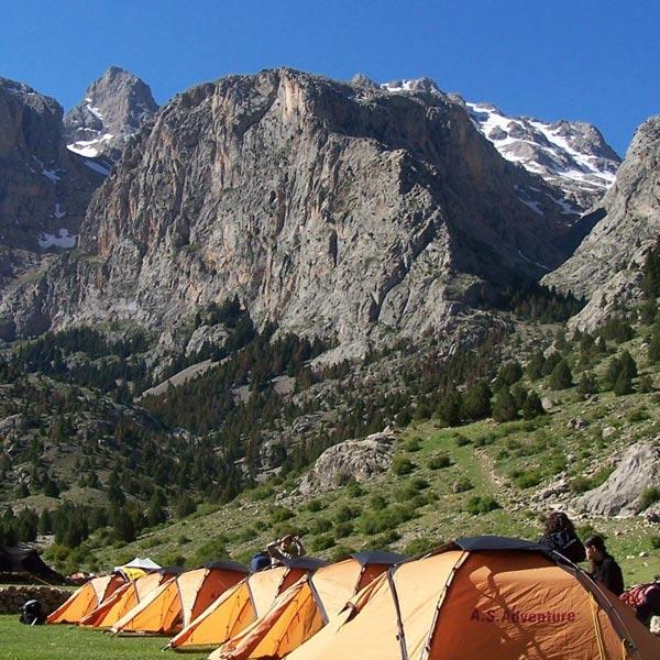 Aladaglar-mountain-Emli-Valley-Camp